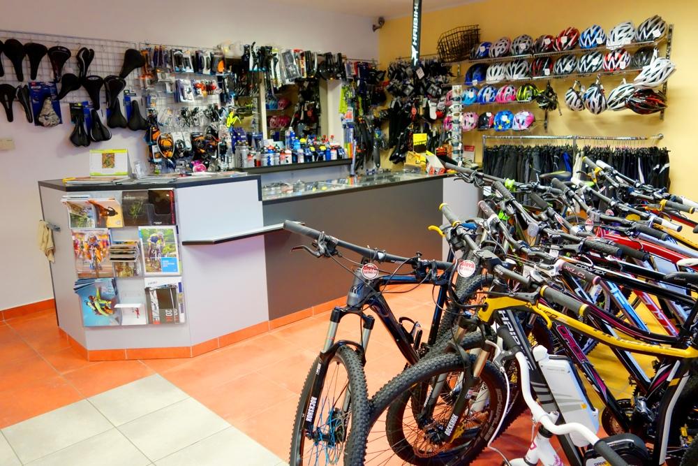 aec75e67fc Cyklovečerka - prodejna Prodejna s cyklistickým oblečením Cykloprodejna  Cyklistické doplňky